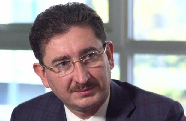 Scandalul ROBOR: Şeful Concurenţei, ameninţat cu demiterea