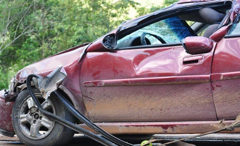 Teroare în SUA! Un şofer a intrat intenţionat cu maşina în mulţime. Sunt mai multe victime