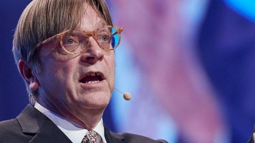 Guy Verhofstadt cere excluderea partidului lui Tăriceanu din familia europeană a Liberal-Democraților. ALDE România ripostează
