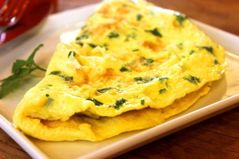 Rețeta pentru cea mai bună omletă grecească. Ingredientul care-i dă tot gustul! E nemaipomenit de bună!