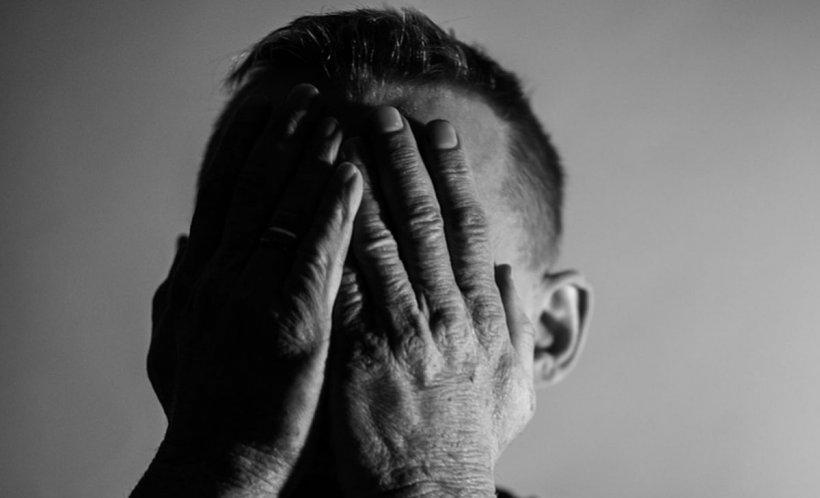Depresia de sărbători, boala care îi pândeşte pe cei singuri