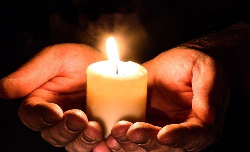 Ce faci cu lumânarea după Înviere, când ajungi acasă