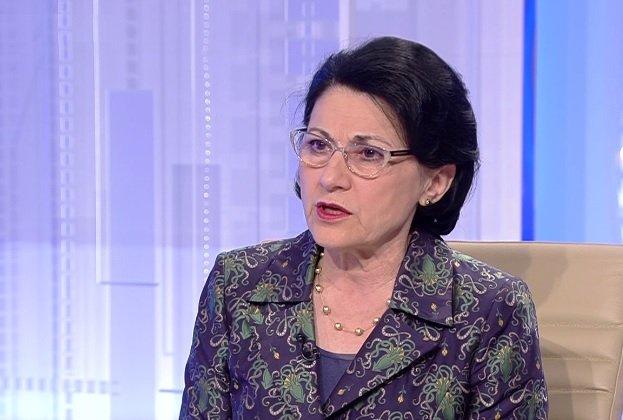 Ecaterina Andronescu vrea ca într-o clasă să nu mai existe mai mult de 25 de elevi