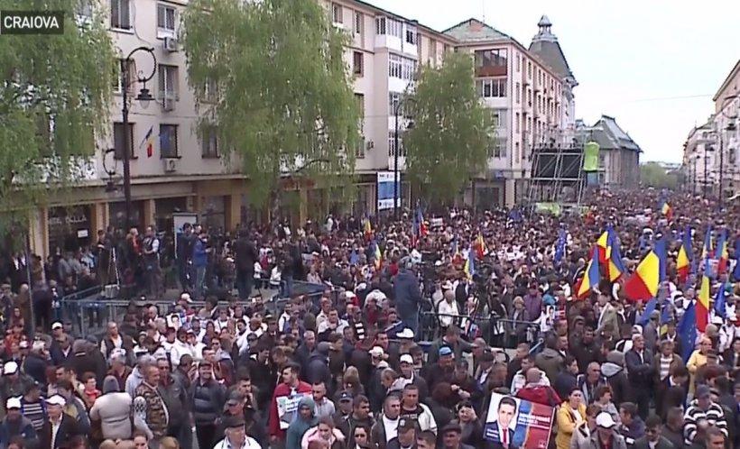 Partidele politice se întrec în mitinguri după minivacanță