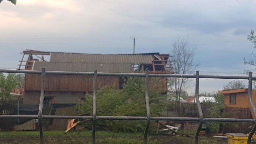 Tornada devastatoare a lăsat numeroase case fără acoperiș în județul Călărași 16