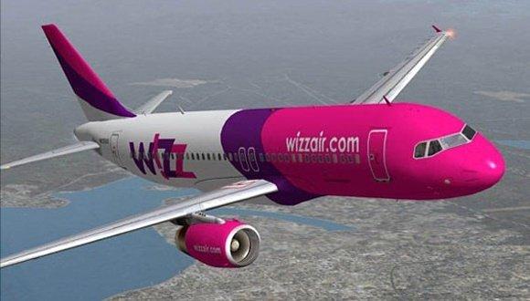 Aterizare de urgență pe aeroportul Otopeni, după ce un avion Wizz Air s-a lovit de o pasăre