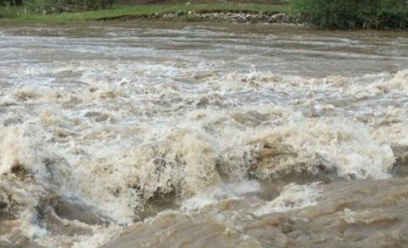 Cod roșu de inundații în mai multe județe din țară