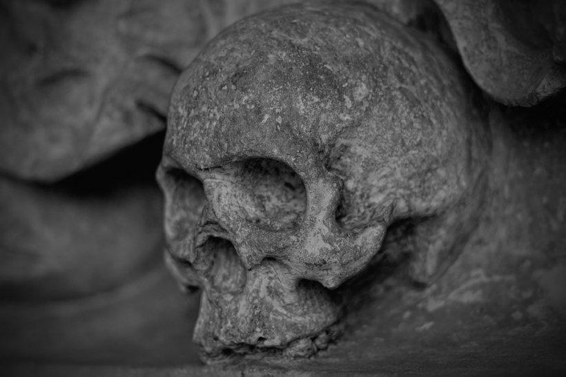 Piramidă din cranii, în Moldova. Momentul din istorie pe care românii l-ar vrea șters