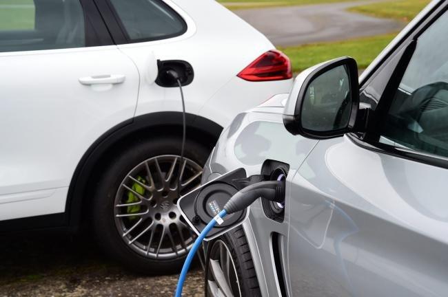 Cine sunt bucureștenii beneficiari de eco-vouchere acceptaţi în programul privind eliminarea autovehiculelor cu grad ridicat de poluare