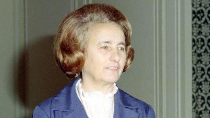 Uluitor! Cum înregistra Elena Ceaușescu partidele de amor ale nomenclaturiștilor!