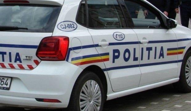 Clipe de panică la Târgu Jiu. Un șofer a intrat cu mașina pe un trotuar circulat