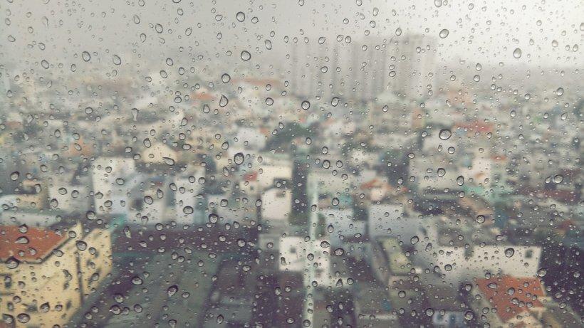 VREMEA. Prognoza meteo pentru 3 mai. În ce regiuni mai plouă