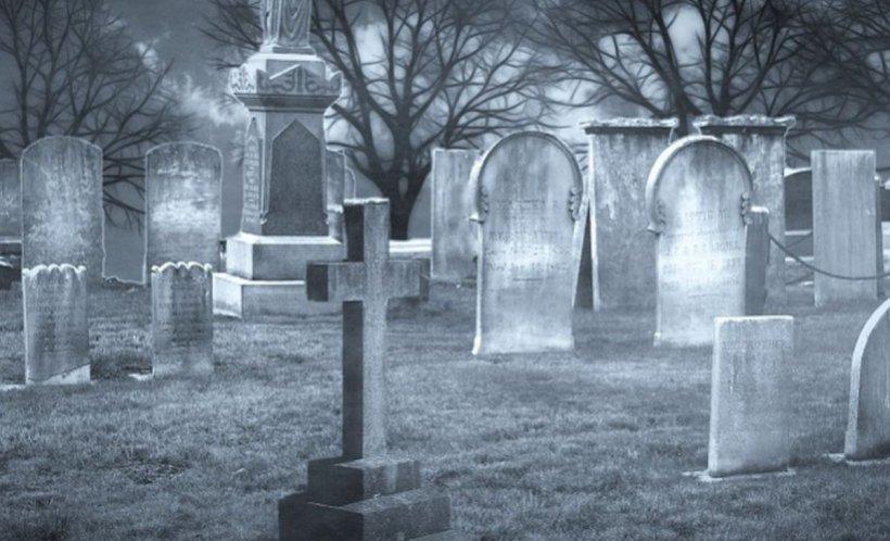 Trei minori, bănuiți pentru distrugerea monumentelor funerare din cimitirul evreiesc, au fost identificați de polițiști
