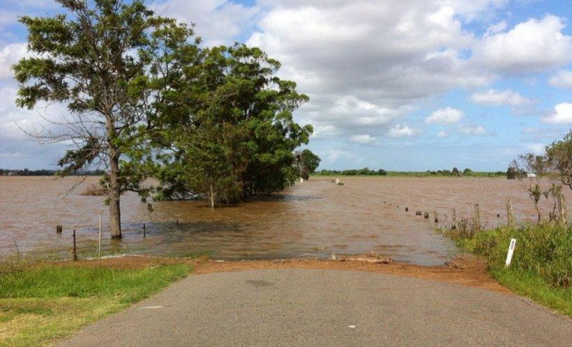 Alertă de la hidrologi! Cod portocaliu de inundaţii pentru râuri din judeţele Neamţ, Iaşi, Vaslui, Bacău şi Vrancea
