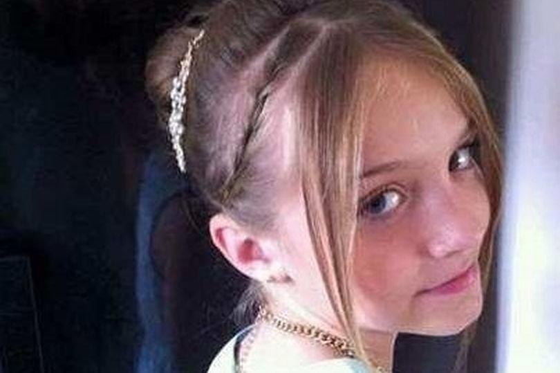 Șase motive pentru care o adolescentă de 12 ani a decis să se sinucidă. Toată lumea e șocată