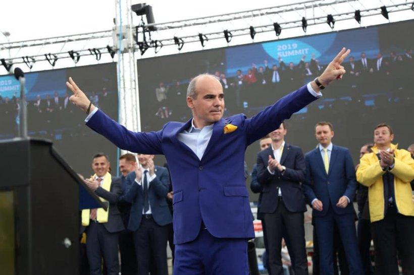 Surse: Scandal în PNL. Rareș Bogdan o atacă dur pe Mara Mareș pentru pozele de la mare