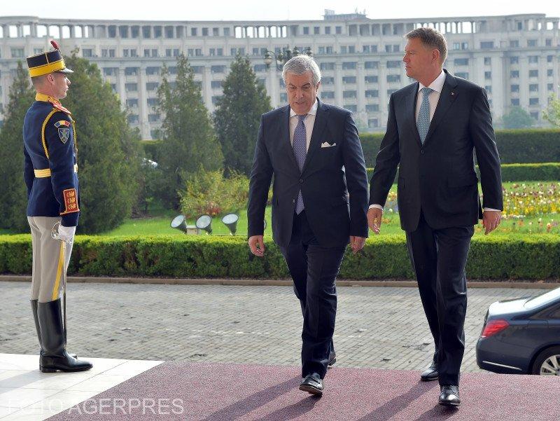 Confruntarea la prezidențiale. Tăriceanu ar putea da lovitura într-un posibil tur II cu Iohannis