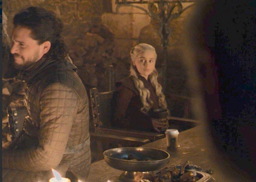 Reacția de milioane a HBO, după ce într-o scenă din Game of Thrones a apărut un pahar de la Starbucks