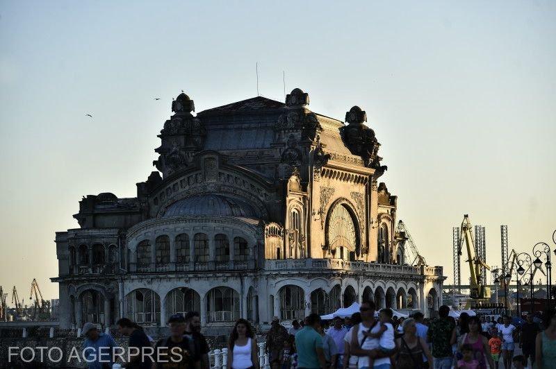 Guvernul Dăncilă reface Cazinoul din Constanța. Peste 20 de milioane de euro investiți pentru această clădire emblematică a României