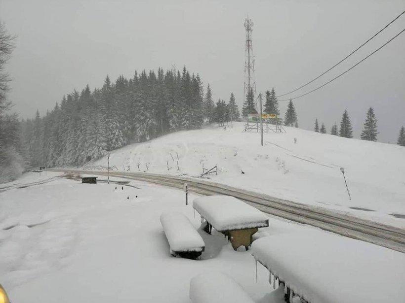 Iarna s-a întors! Zăpadă în toată regula în luna mai. Locul unde ninge ca-n povești