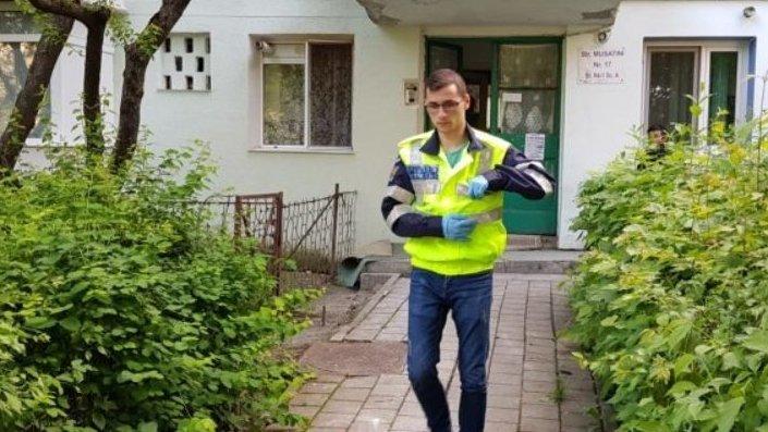 Crimă șocantă în Iași. Un bărbat de 52 de ani a fost înjunghiat mortal de unchiul său