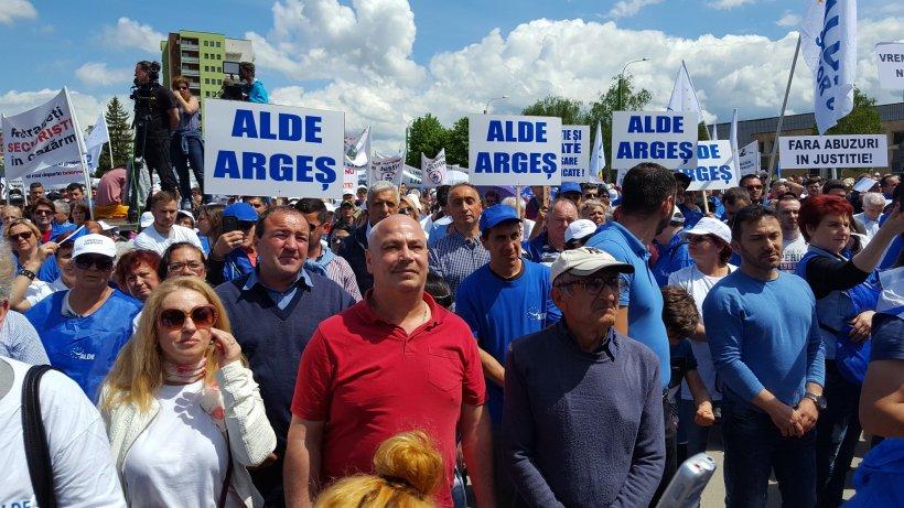 Liderii ALDE, imagini inedite la Marșul Demnității - VIDEO