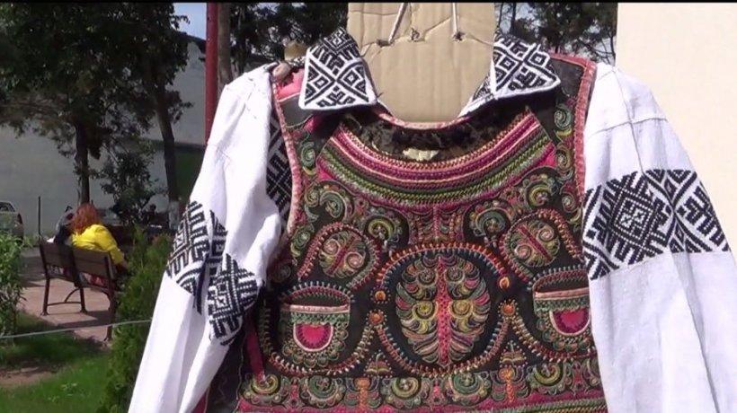 Ziua Naţională a Costumului Popular Românesc, cinstit de ziua sa