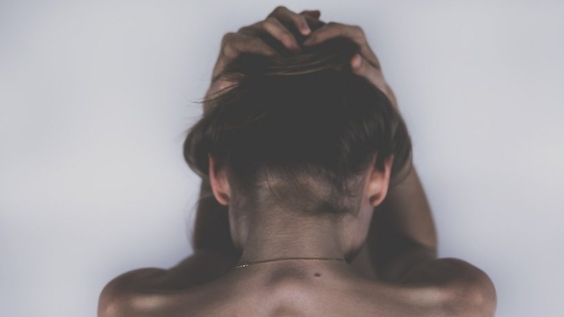 Caz șocant în județul Vaslui. O adolescenta de 16 ani a fost violată de un tânăr cu un an mai mare