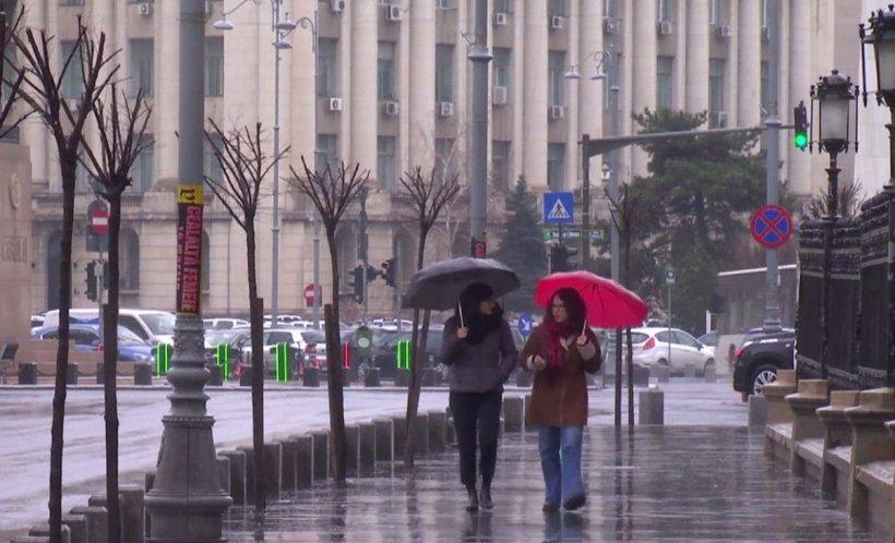VREMEA. Prognoză specială pentru București. Ploi torențiale și vijelii, până vineri