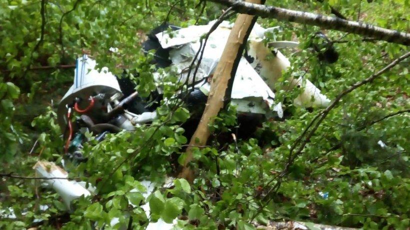 AVION PRĂBUȘIT. Cine sunt cele două victime care au murit în accidentul aviatic din județul Buzău