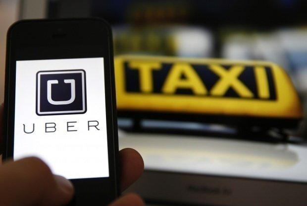 Uber și Taxify ar putea dispărea începând de joi din România