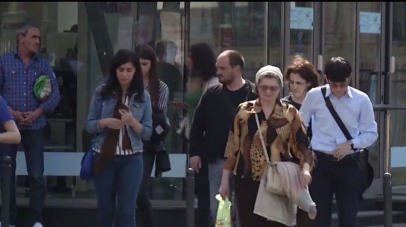 România, dezbinată de mesajele politice