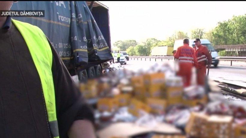 Un TIR încărcat cu bere s-a răsturnat pe autostrada Bucureşti-Piteşti - VIDEO