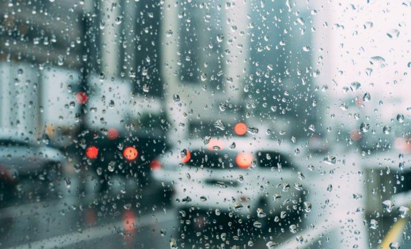 VREMEA. Vreme instabilă cu ploi în majoritatea zonelor