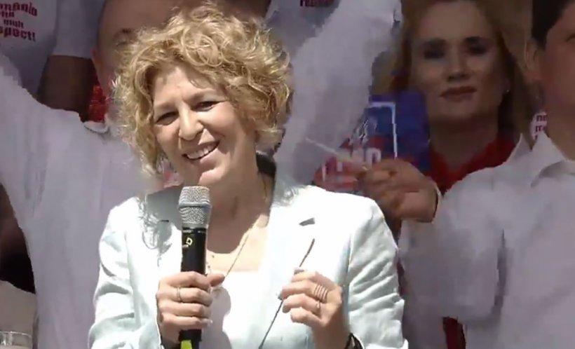 """Carmen Avram, la mitingul PSD de la Târgoviște: """"Alegeți partidul care v-a mărit salariile!"""""""