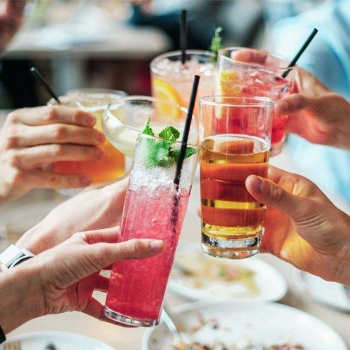 Băuturi perfecte pentru petrecerea de zi