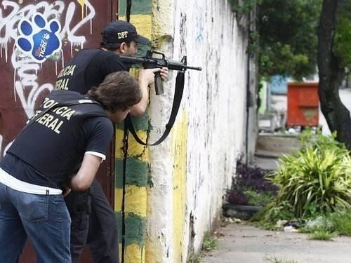 Masacru într-un bar din Brazilia. Mai multe persoane au deschis focul cu arme automate