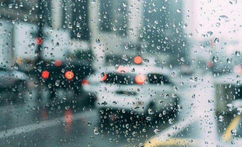 VREMEA. Vreme instabilă cu ploi în majoritatea zonelor. Prognoza pentru zilele următoare