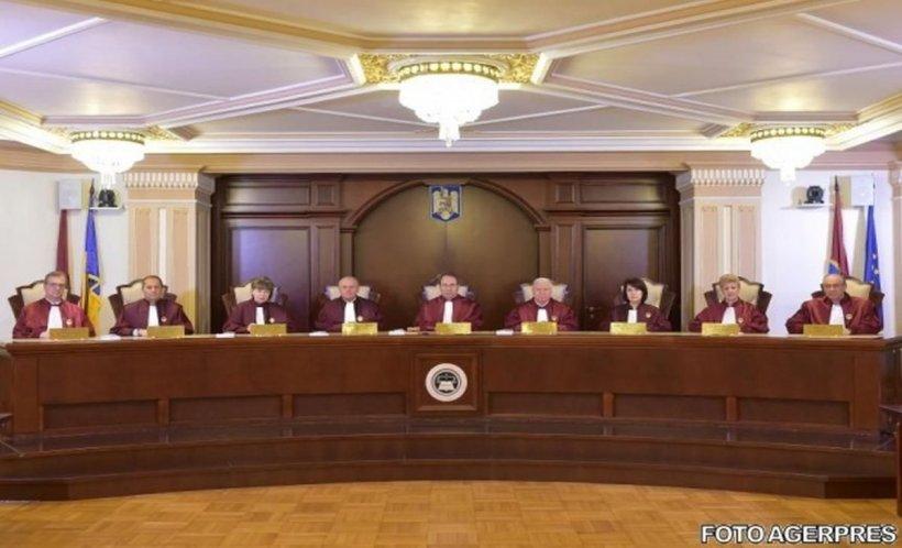 Curtea Constituţională a amânat a patra oară decizia care ar putea da peste cap sute de procese