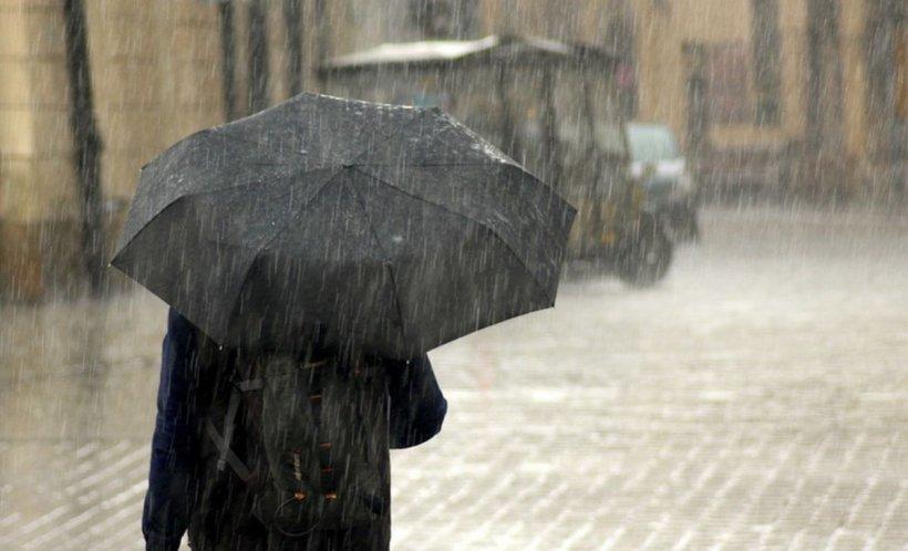 VREMEA. Ploile nu se opresc până la sfârșitul săptămânii
