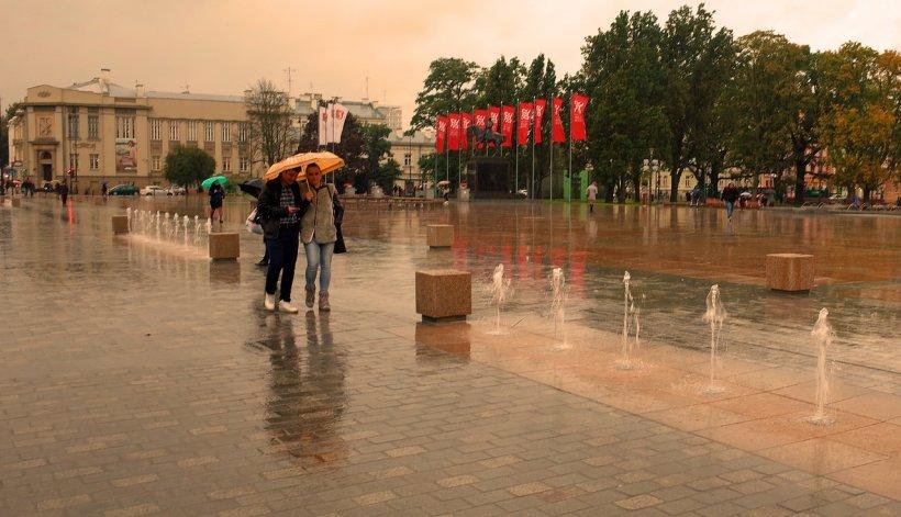 VREMEA. Prognoza meteo pentru 23 mai. Ploi și descărcări electrice în cea mai mare parte a țării