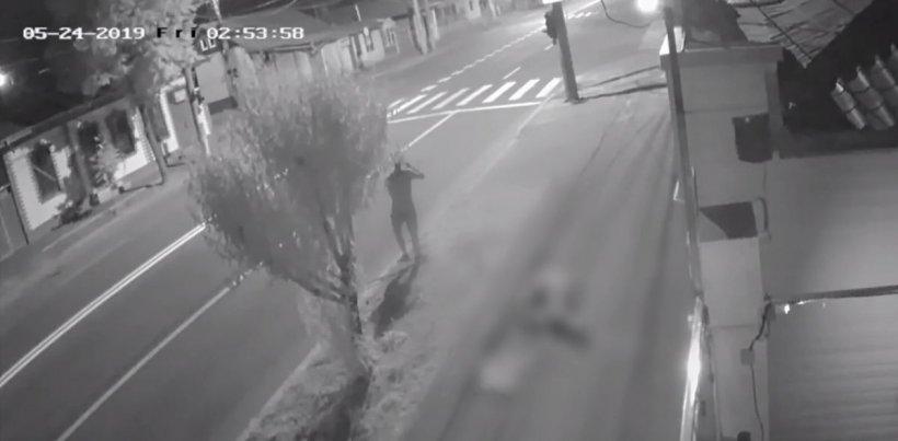 Bărbat ucis lângă școală în Galați, totul a fost filmat. Criminalul este în libertate