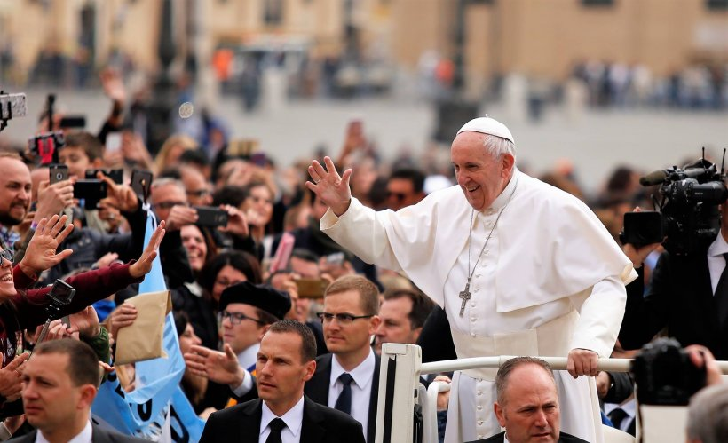 Număr de înmatriculare special pentru maşina cu care se va deplasa Papa Francisc în România