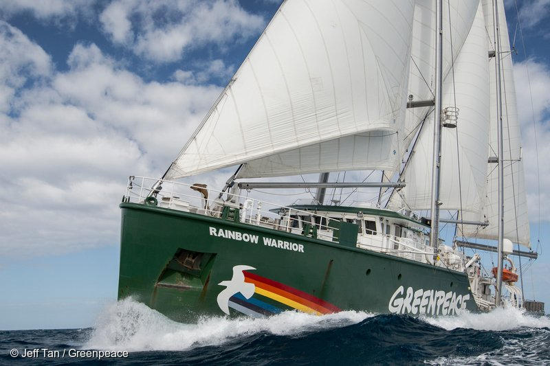 Nava Rainbow Warrior, în România pentru a atrage atenția asupra cauzelor schimbărilor climatice. Află cum o poți vizita