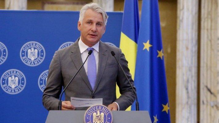 TAXA AUTO. Teodorovici anunță plata urgentă a taxei auto
