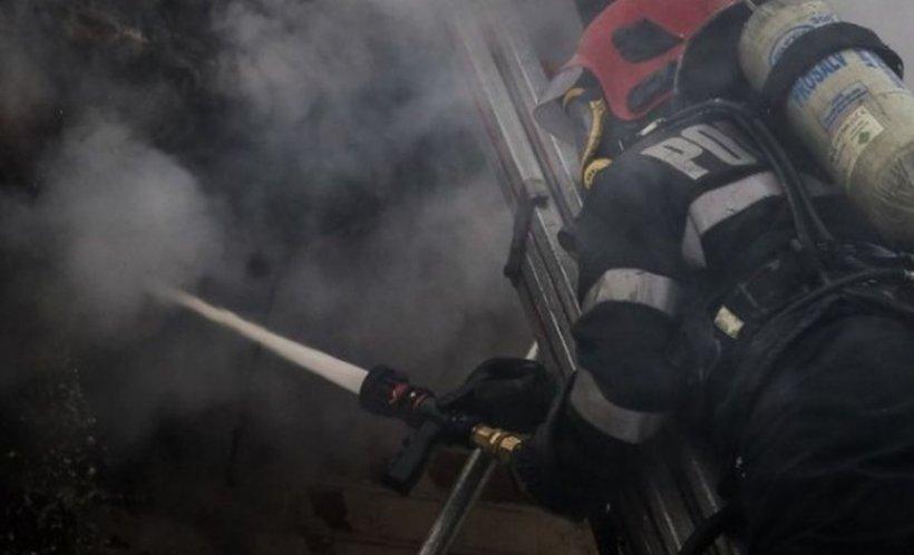 Un bărbat a fost găsit carbonizat într-un vagon dezafectat. Cine a dat alarma la 112
