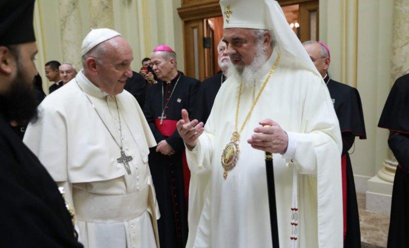 Gestul suprem făcut de Papa Francisc, în fața Patriarhului Daniel