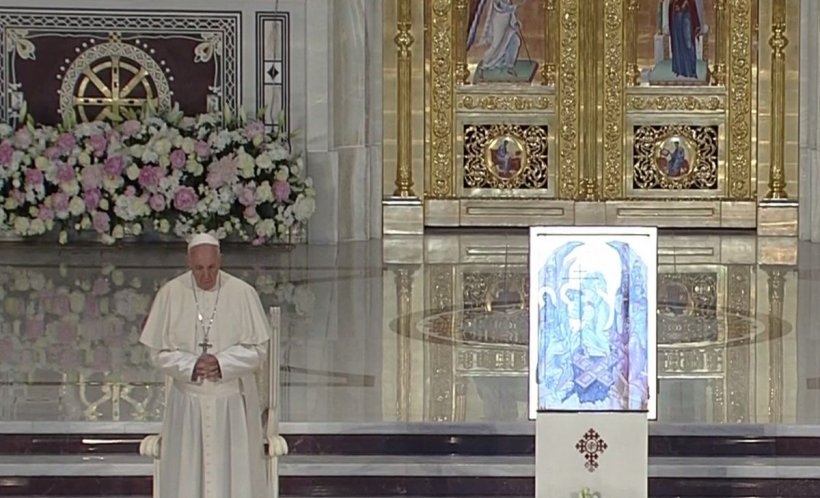 Moment istoric. Papa Francisc la Catedrala Neamului - VIDEO 534