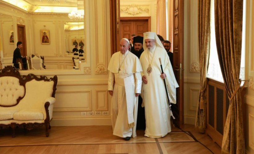 """Papa Francisc în România. Suveranul Pontif: """"Invoc asupra întregii populaţii a ţării belşugul binecuvântărilor divine"""" - LIVE TEXT și VIDEO 534"""