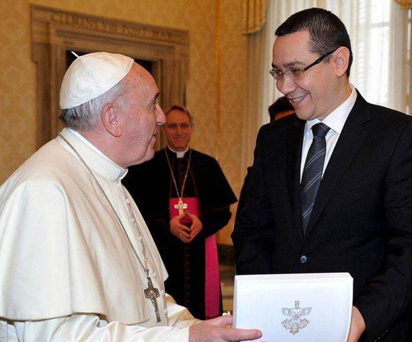 """Victor Ponta, mesaj pentru români: """"Vizita în România a Sanctităţii Sale Papa Francisc este un moment istoric"""""""